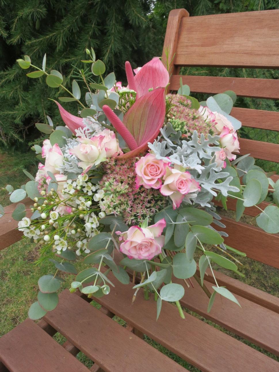 dárková kytice růžová