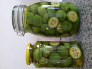naložené zelené ořechy